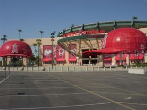 Anaheim Stadium.jpg