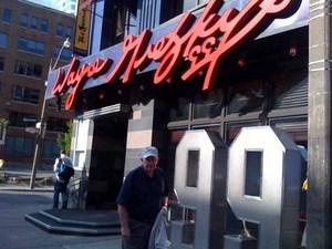 Wayne Gretzky's restaurant.jpg